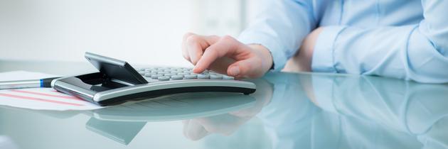 Eingabe am Taschenrechnerzur Berechnung des Bedarfs und der Beiträge für die UVB
